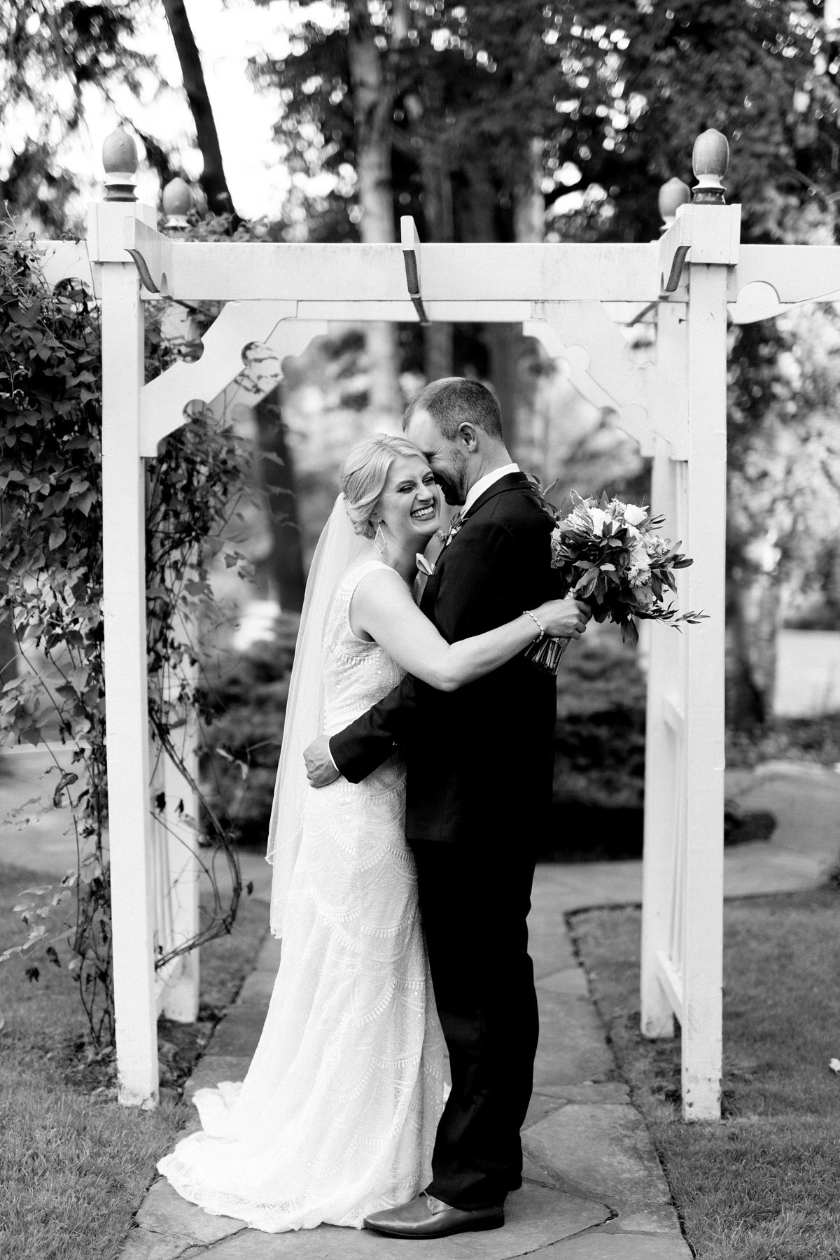 Julie-Barry-English-Inn-Summer-Garden-Wedding-Michigan-Breanne-Rochelle-Photography87