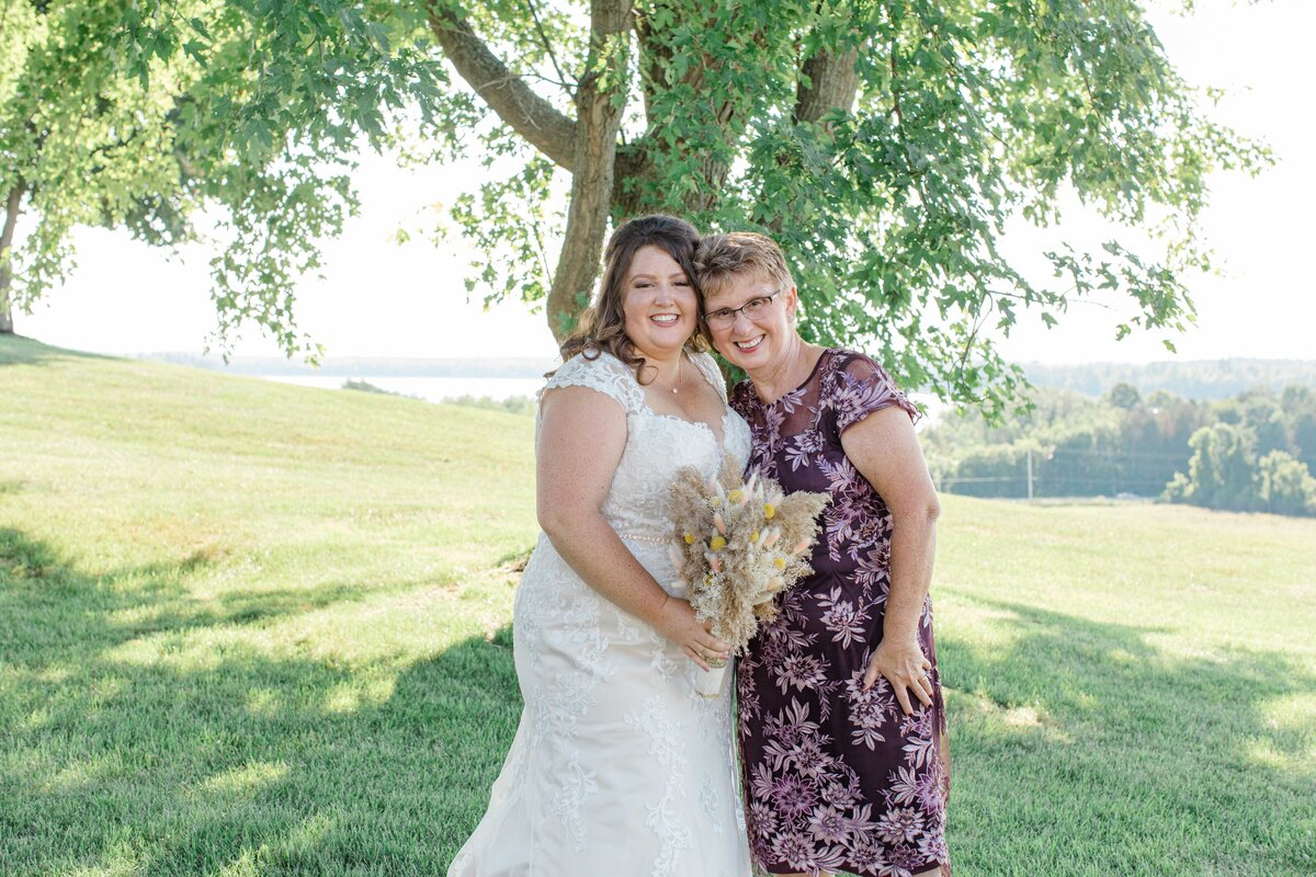 laura-ben-campbell-farm-white-lake-wedding-grey-loft-studio-2020-141