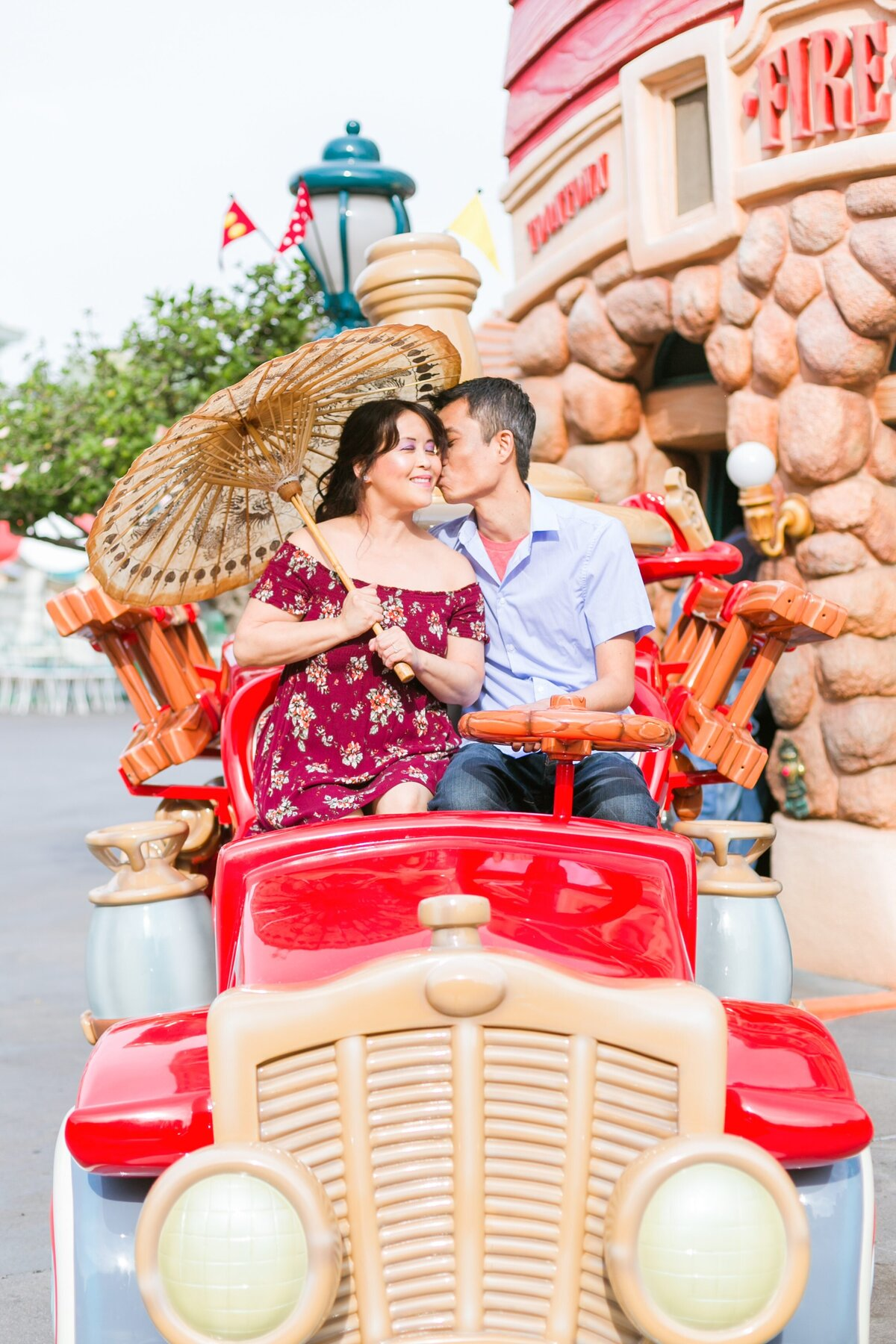 Disneyland-Engagement-Session-0010