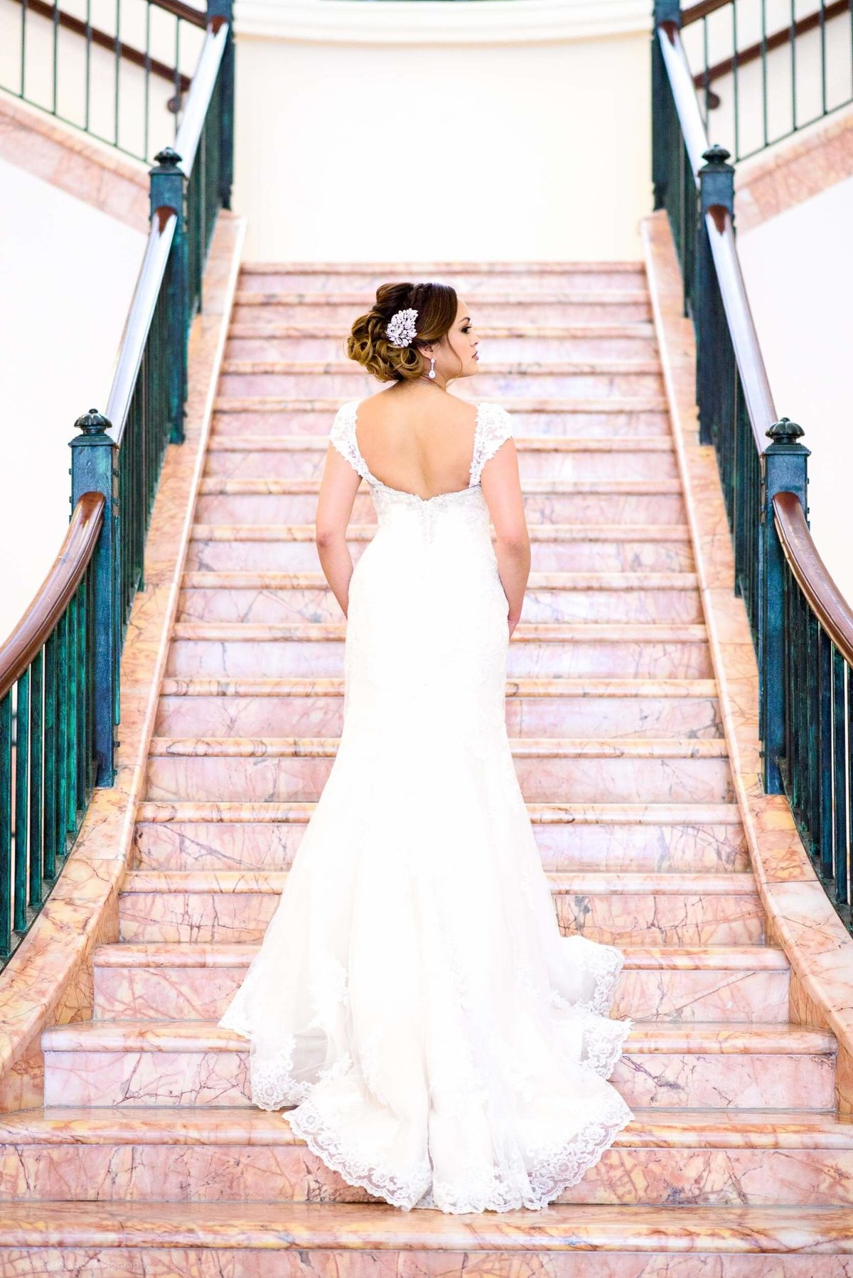 westin-colonade-wedding-grand-staircase-bride