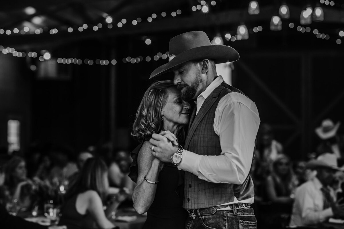 younger-ranch-wedding-Native-Roaming-Photography-67