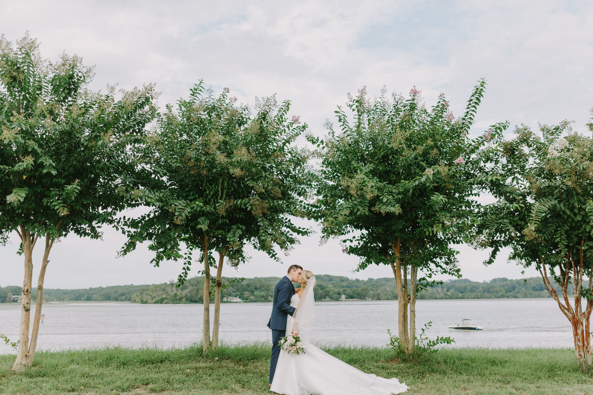 TheOspreysBelmontBayFallWedding_AngelikaJohnsPhotography-0582
