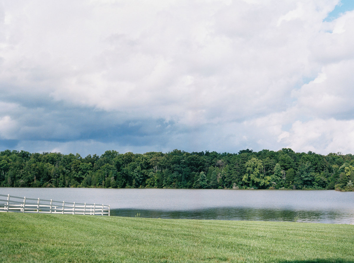Fionnie_Jacob_Marblegate_Farm_Wedding_Knoxville_Abigail_Malone_Photography-434