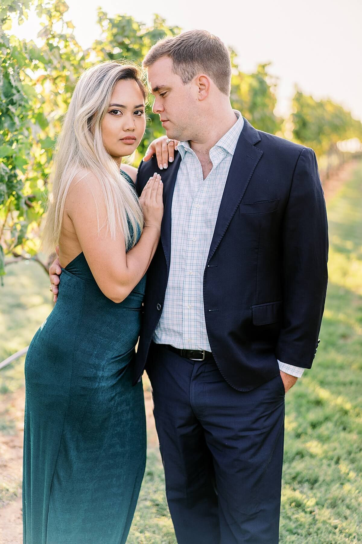 Texas-Hill-Country-Vineyard-Engagement-Portrait-Session-Alicia-Yarrish-Photography_0046