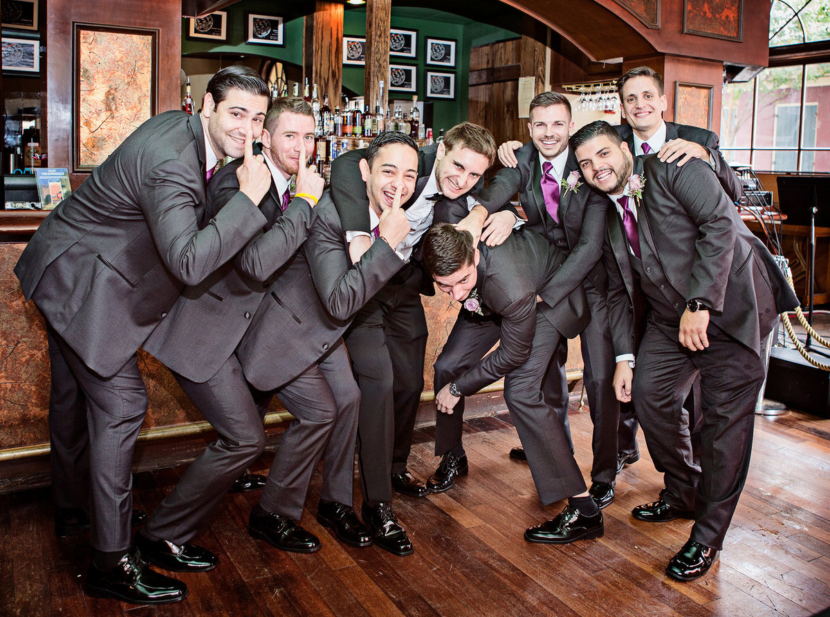 groomsmen-in-the-bar