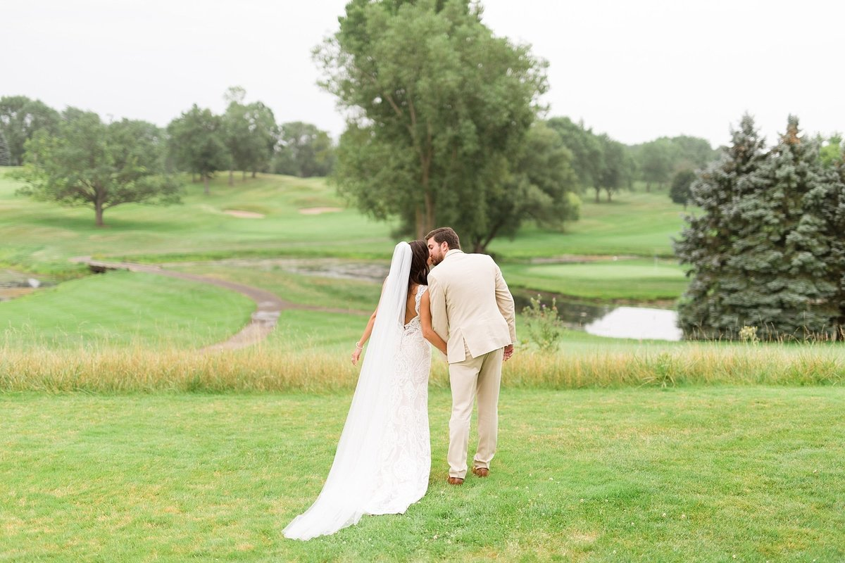 Lauren-Nate-Paint-Creek-Country-Club-Wedding-Michigan-Breanne-Rochelle-Photography88