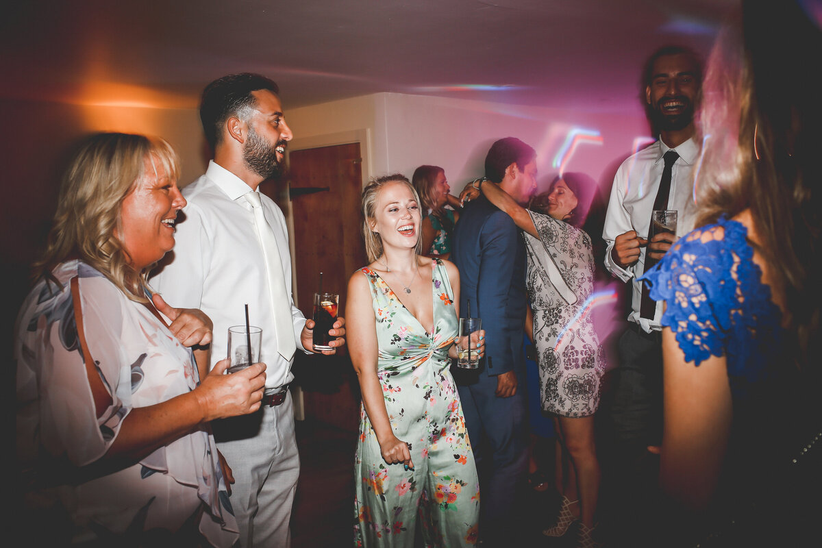 BURY-COURT-BARN-WEDDING-SUMMER-0090