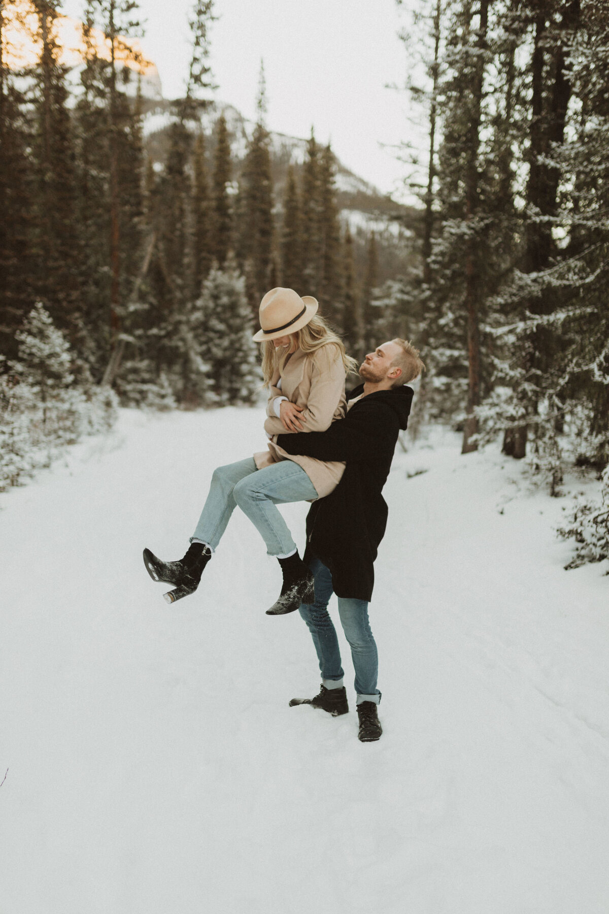 liv_hettinga_photography_canmore_mountain_engagement-24