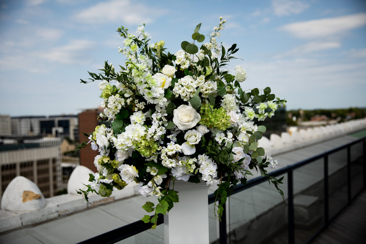 Grand-Rapids-Rooftop-Wedding-floral-stand