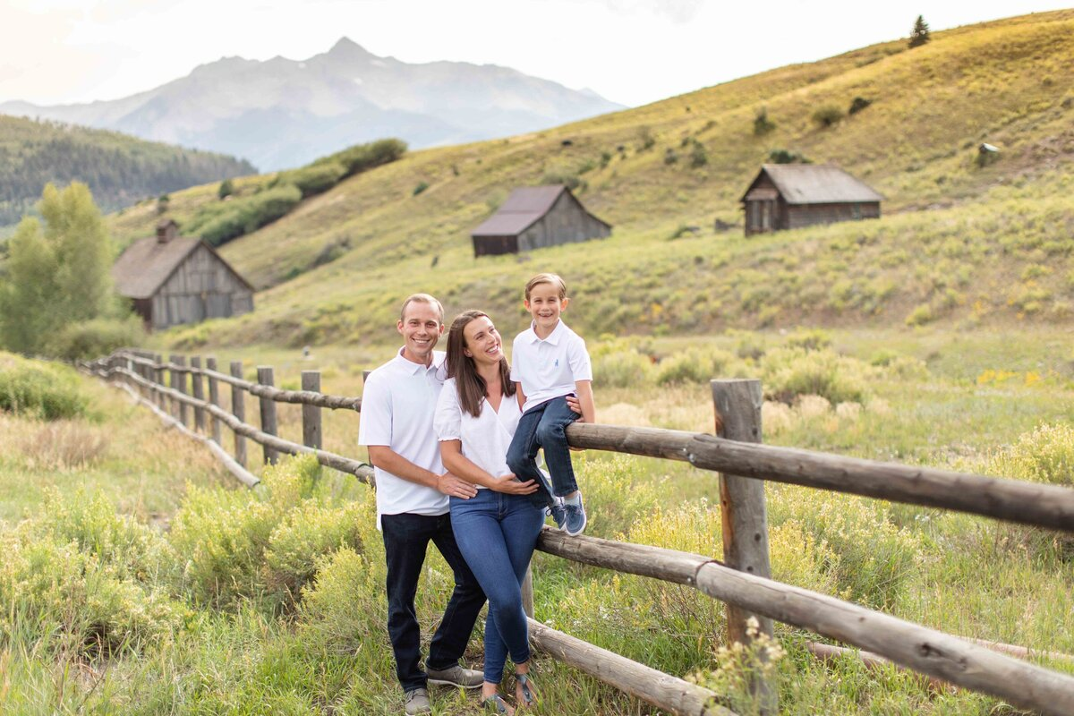 Family photographer in Telluride