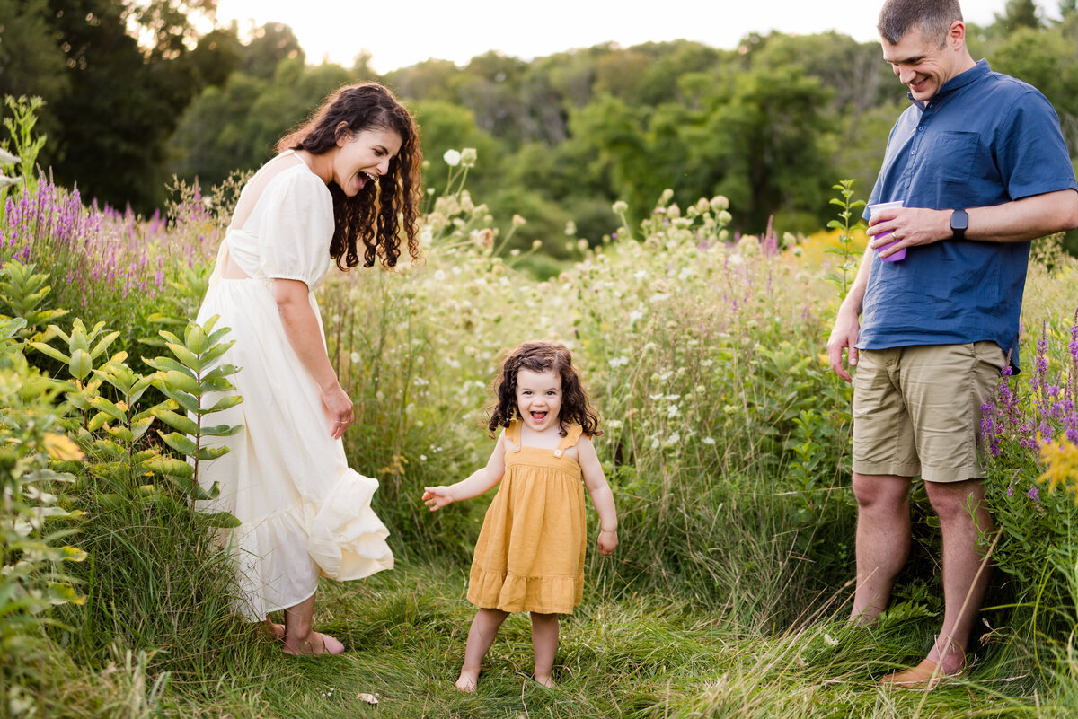Boston-family-photographer-bella-wang-photography-Lifestyle-session-outdoor-wildflower-80