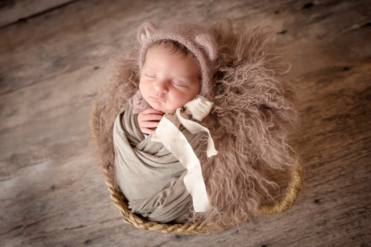 newborn baby jersey shore photo studio
