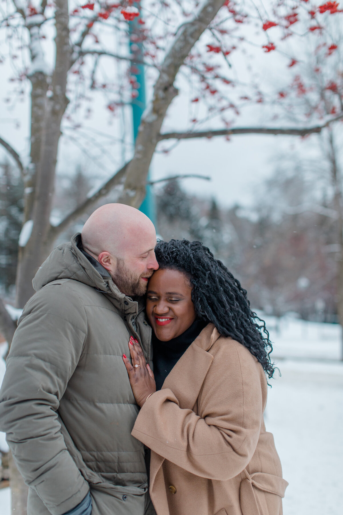 tremblant-winter-mountainside-engagement-session-grey-loft-studio-tremblant-village-254