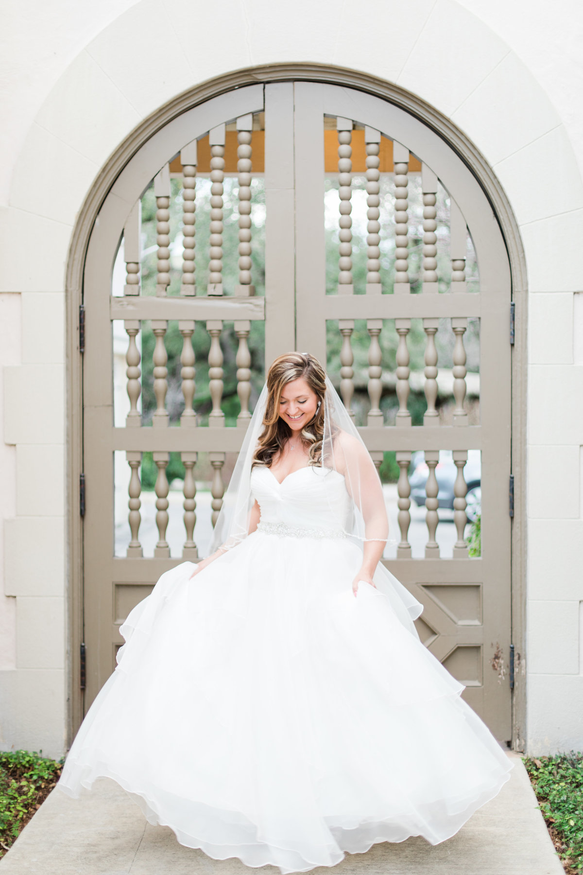 A Bridal Session at Landa Library Wedding Photos by Allison Jeffers Wedding Photography_San Antonio Wedding Photographer_003