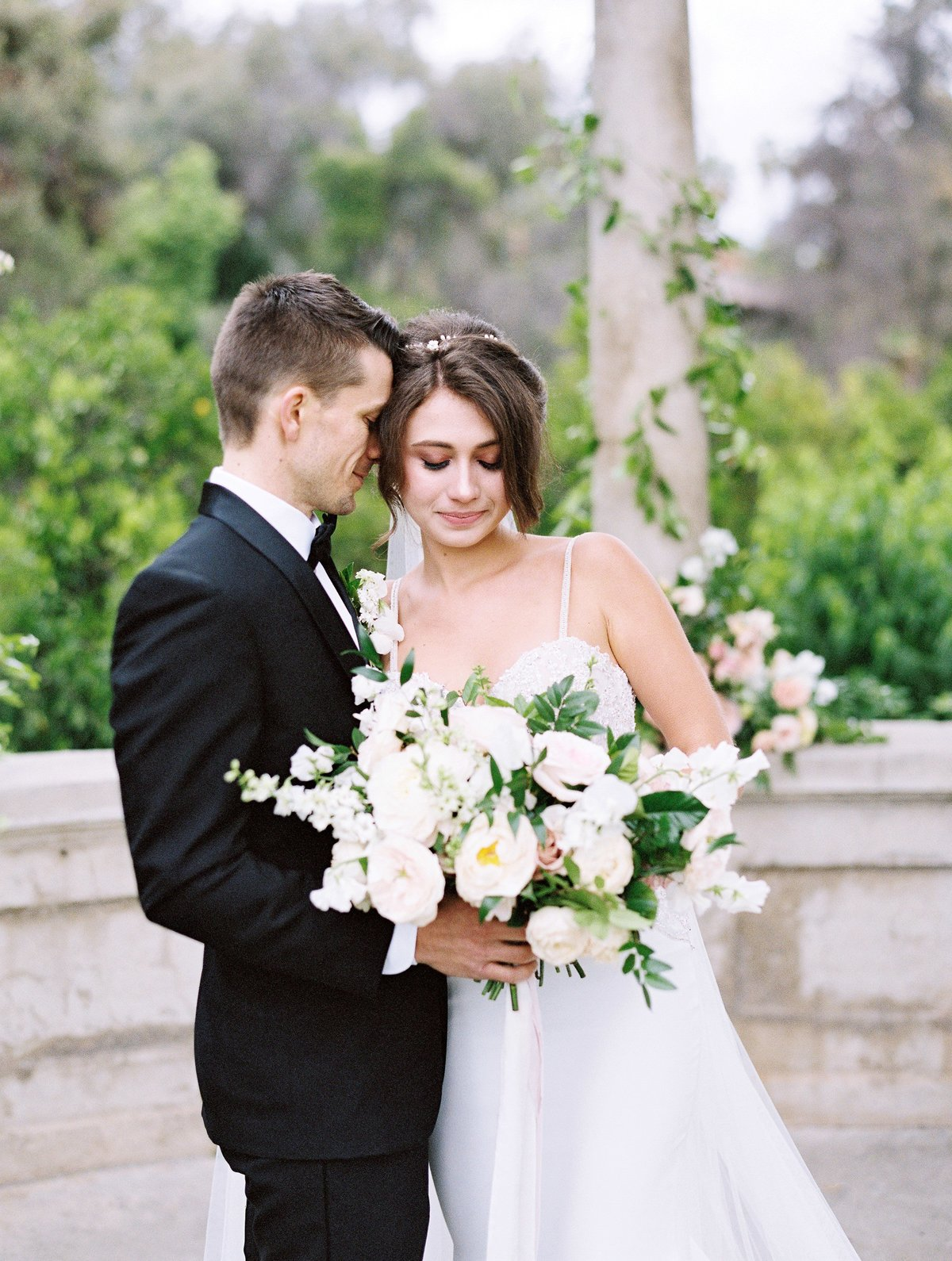daniel-and-bethany-weddings-bride-groom-with-bouquet