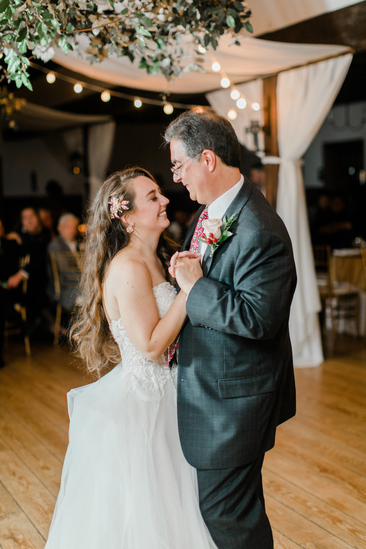 Williamsburg_Winery_Fall_Wedding_Virginia_DC_Photographer_Angelika_Johns_Photography-0096