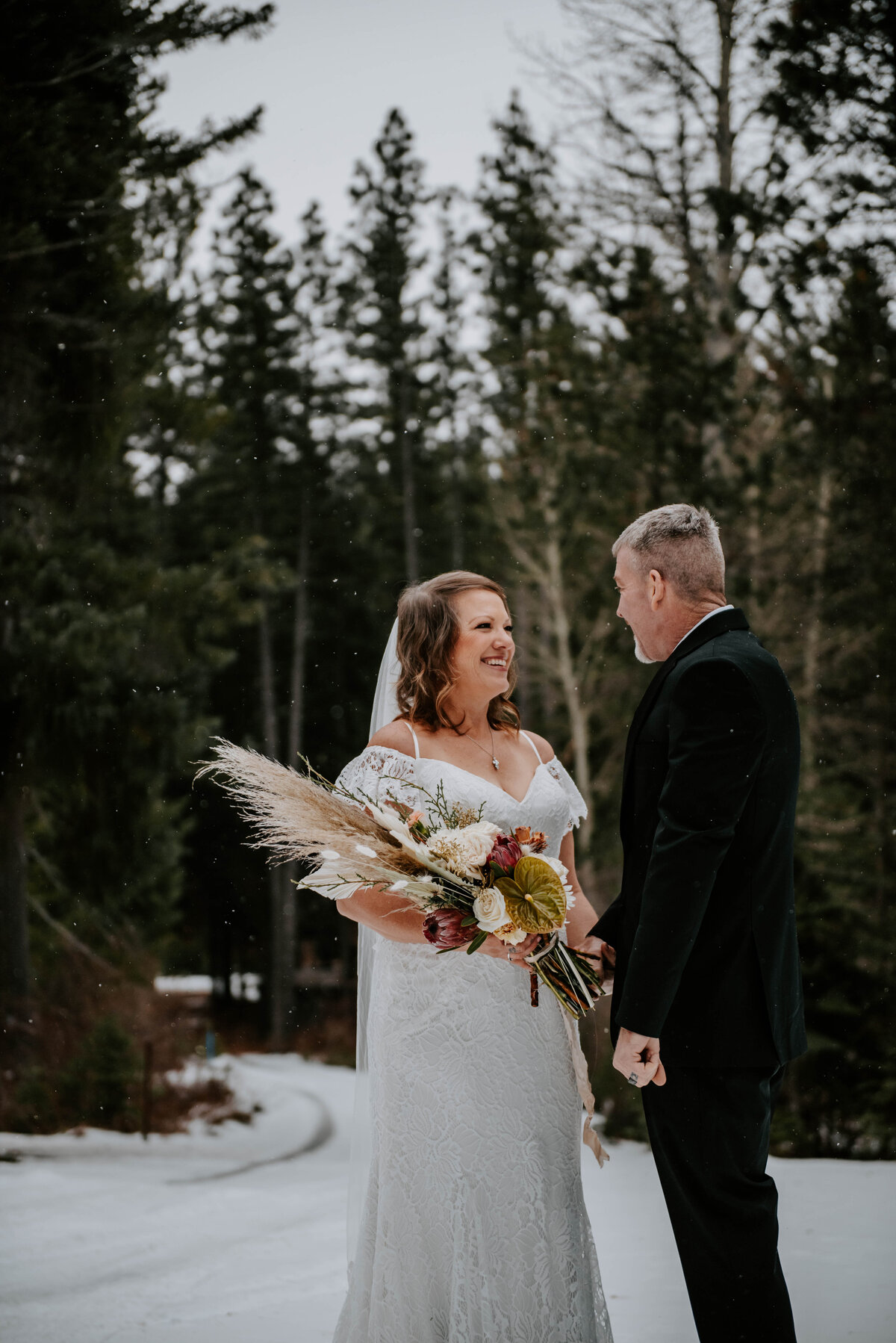 suttle-lake-sisters-oregon-lodge-woods-vow-renewal-photographer-wedding-elopement-2674