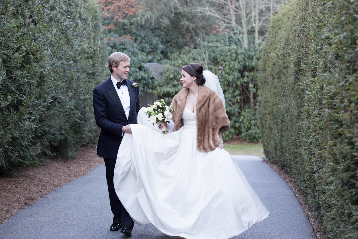 0036_Old-Edwards-Inn-Highlands-NC-Winter-Wedding