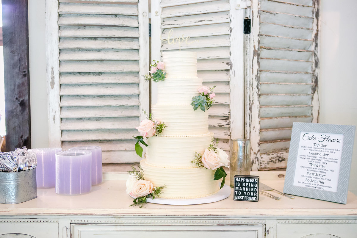 Austin Family Photographer, Tiffany Chapman Photography wedding cake photo