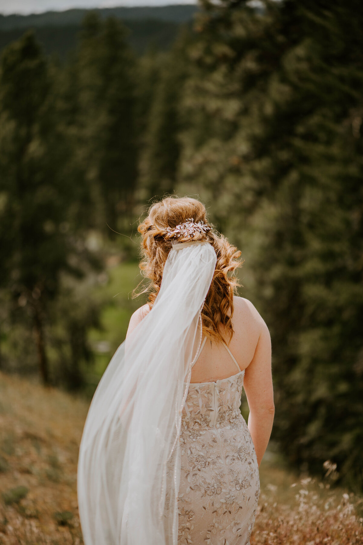 ochoco-forest-central-oregon-elopement-pnw-woods-wedding-covid-bend-photographer-inspiration2021