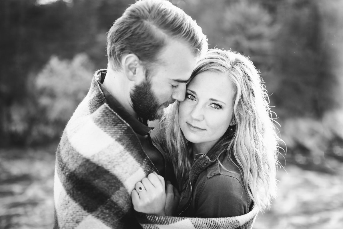 Taylors-Falls-Minneapolis-Fall-Engagement-18