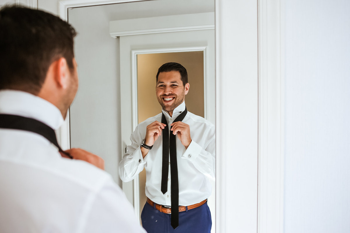 Michigan-Avenue-Wedding-Groom-Prep
