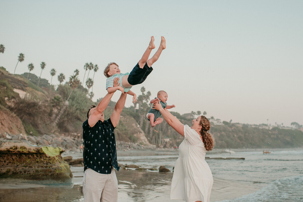 Encinitas Family Photographer-swing me104