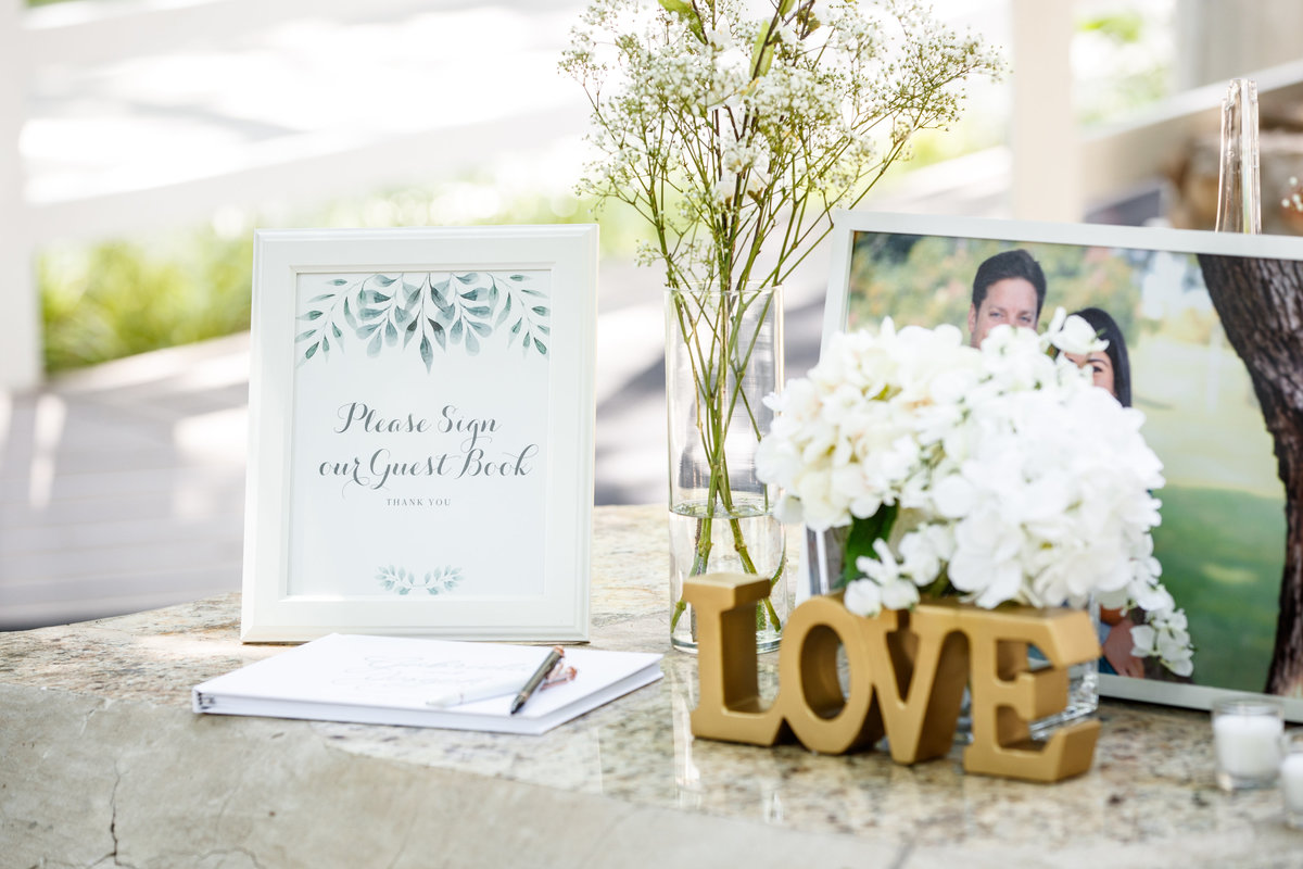 Austin wedding photographer casa blanca on brushy creek bride groom details