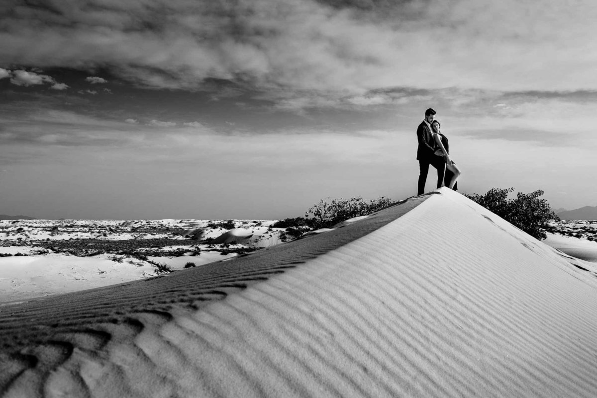 engagement photo at white sands national park in el paso texas by stephane lemaire photography