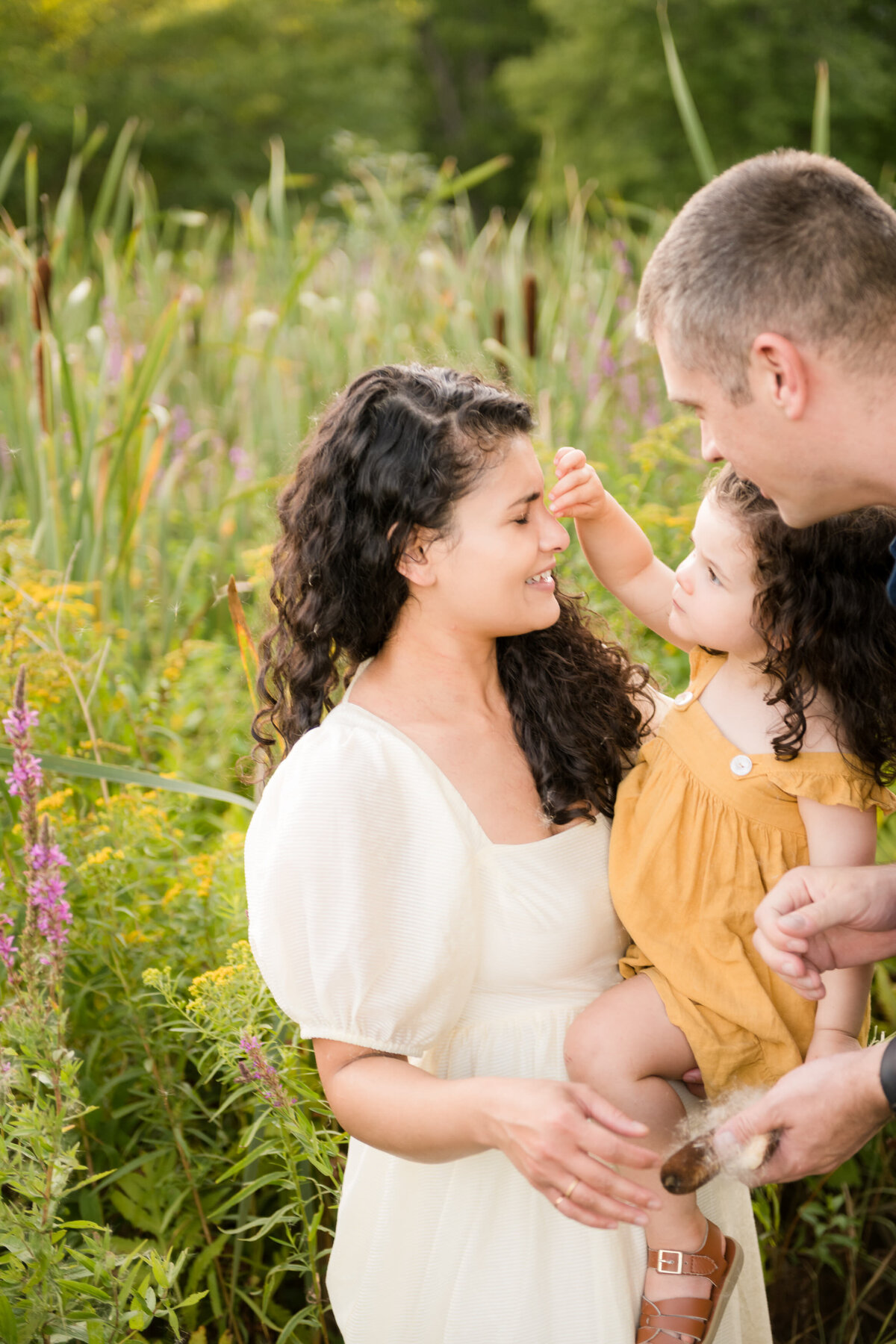 Boston-family-photographer-bella-wang-photography-Lifestyle-session-outdoor-wildflower-49