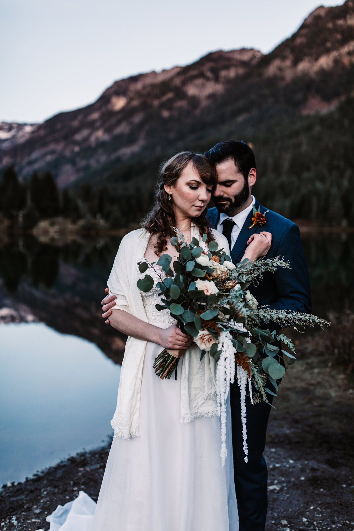 Oregon_elopement_Gold_Creek_pond_Adventure_wedding_photography (479 of 793)