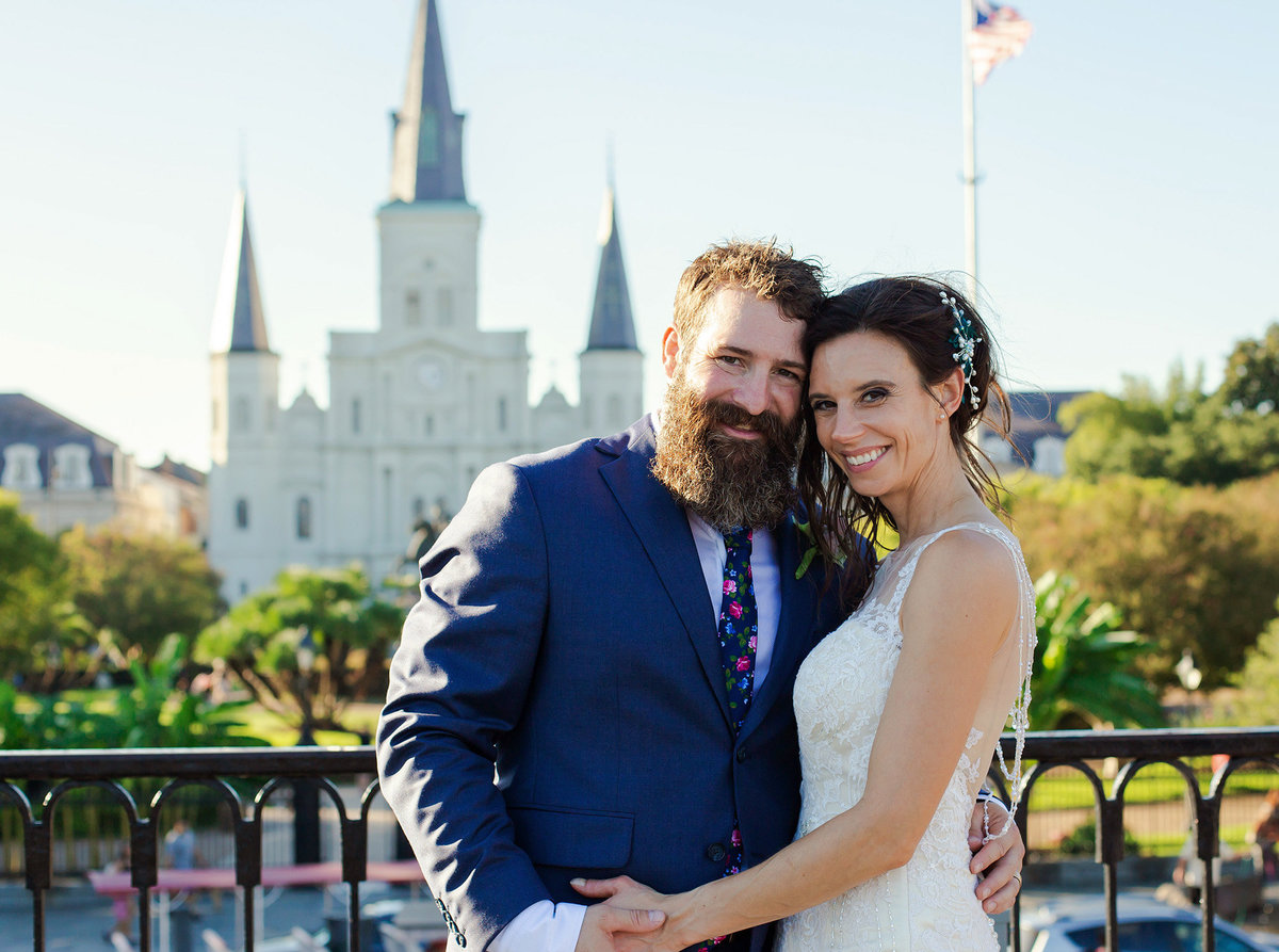 wedding couple photo in front of the St. Louis Cathedral