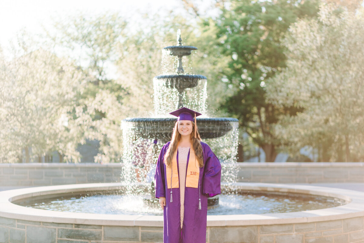 KellyWallace_JMUSeniors_AngelikaJohnsPhotography-0084