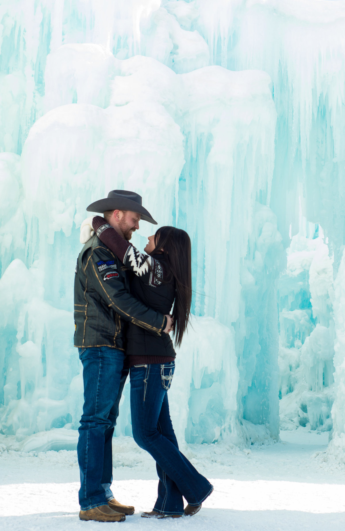 Edmonton-Okotoks-Engagement-Wedding-Photographer-Ice-Castles-YEG-3