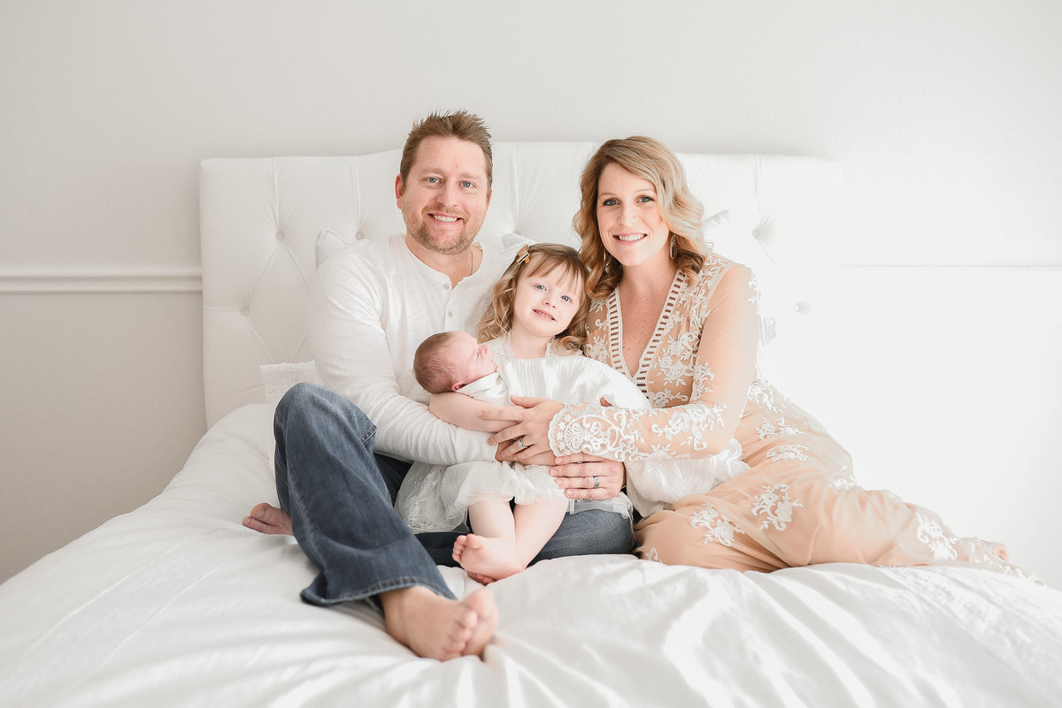 austin tx newborn family photographer