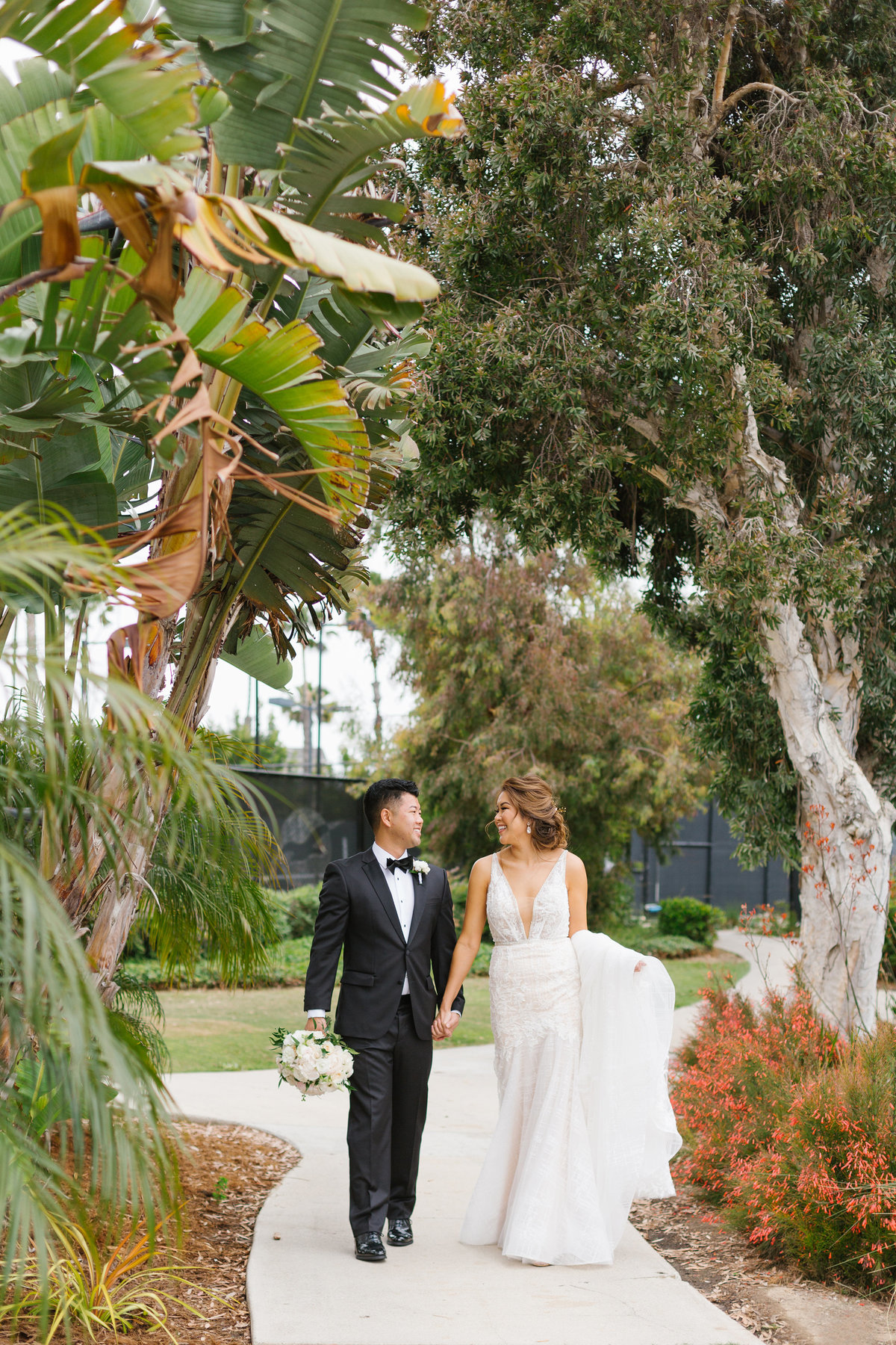 Huntington-Beach-Wedding-The-Venue-12