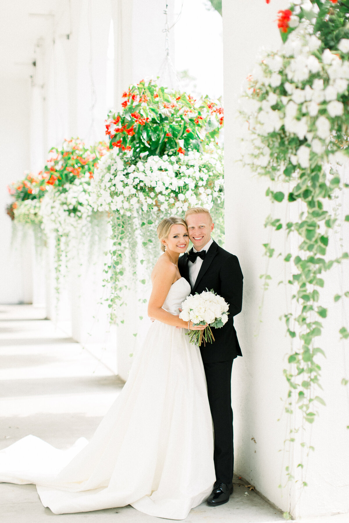 Minnesota Bride, Minnesota wedding photographer, Minneapolis wedding photographer, Wedding Dress, trish Allison photography, trish allison photography weddings, Light and airy photographer, Lafayette Club Wedding