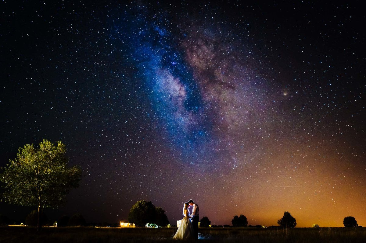bride and groom under the stars in Ruidoso by Stephane Lemaire Photography