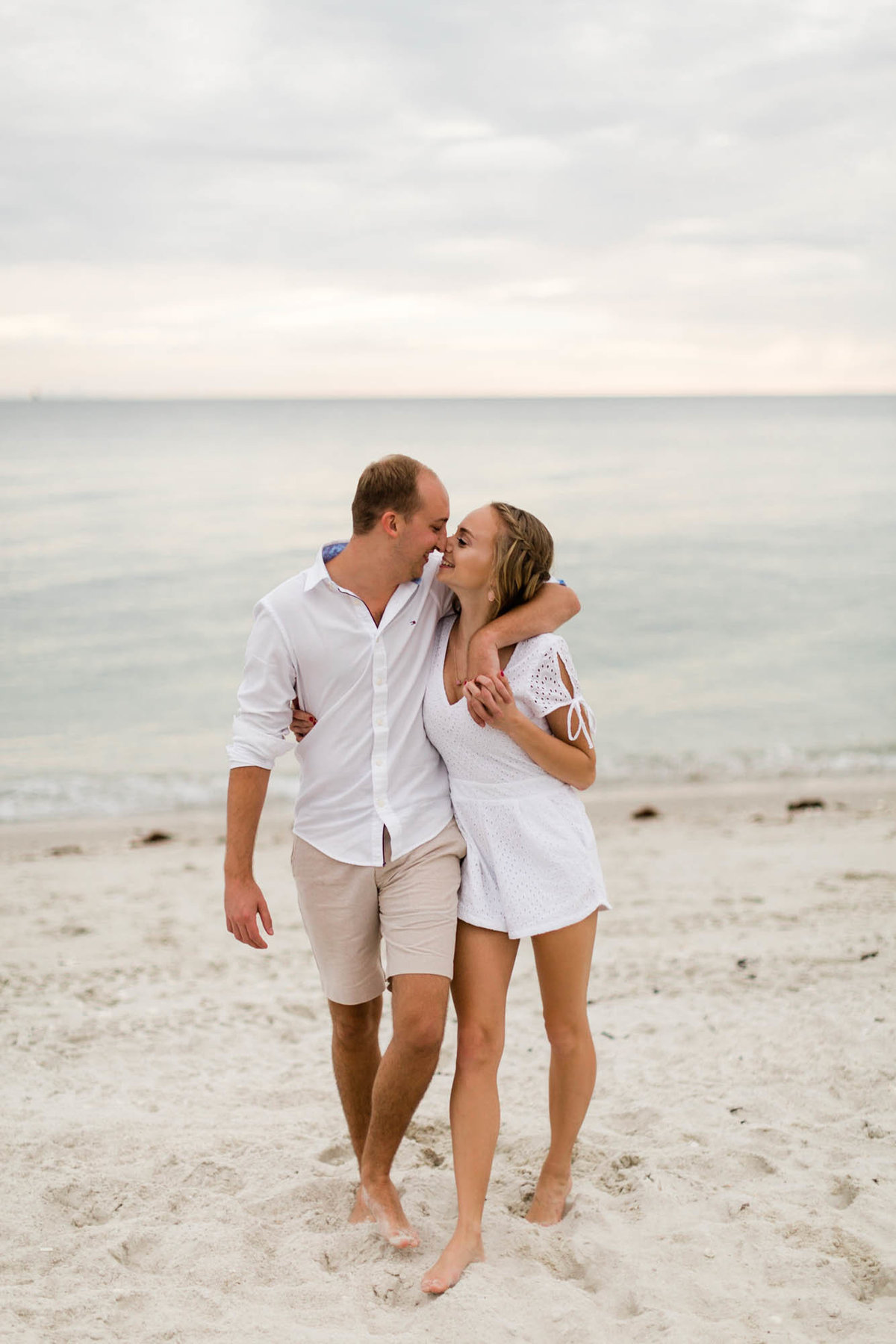 naples-florida-wiggins-beach-engagement-photos-1001