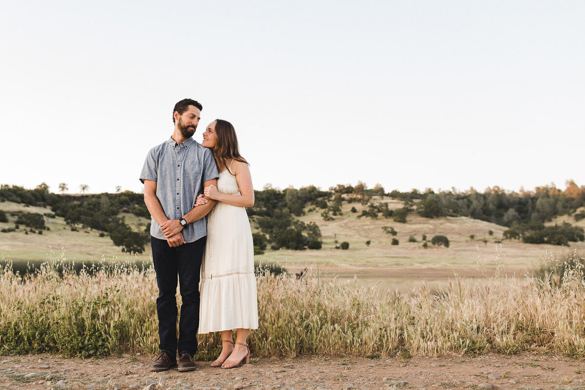 AVH_Photography_engagement_session_bidwell_park_california__V1_8398