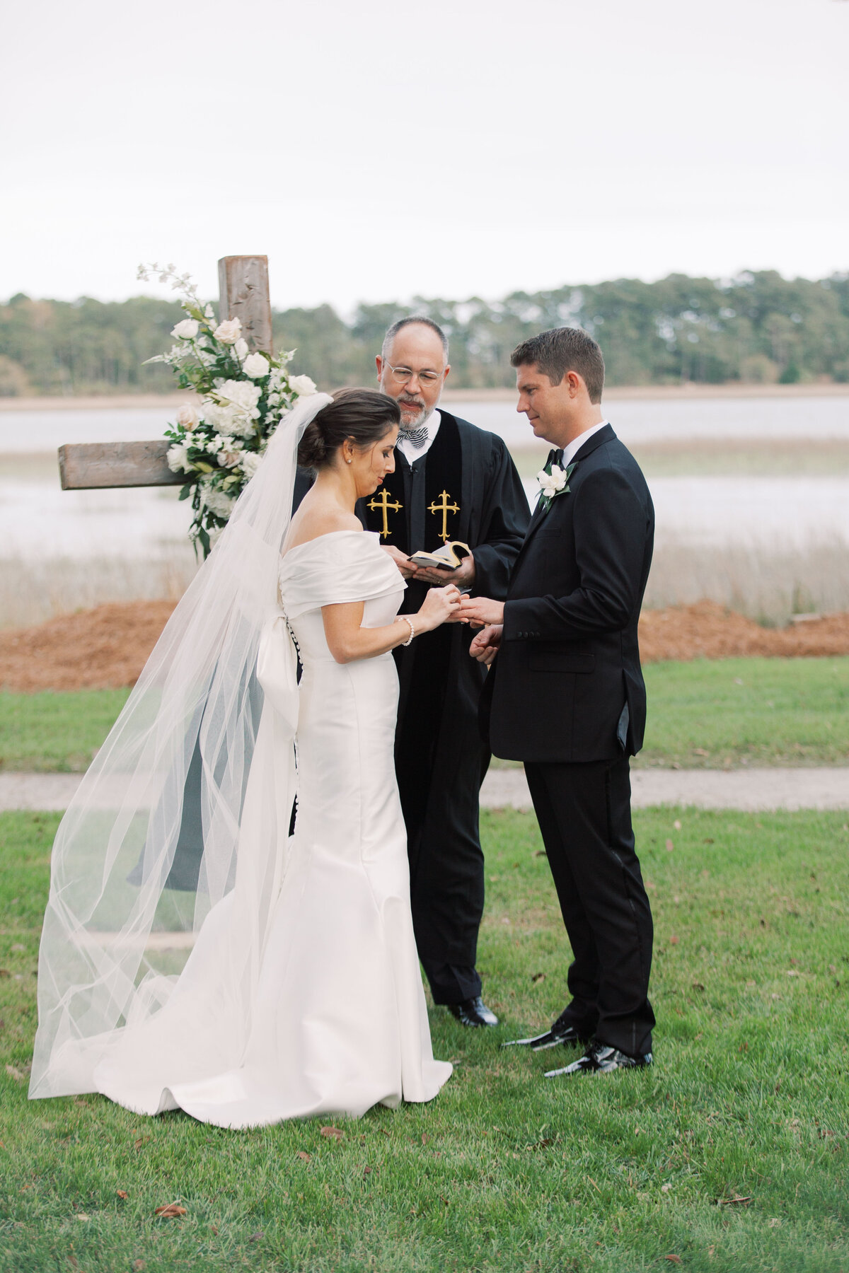 Powell_Oldfield_River_Club_Bluffton_South_Carolina_Beaufort_Savannah_Wedding_Jacksonville_Florida_Devon_Donnahoo_Photography_0624