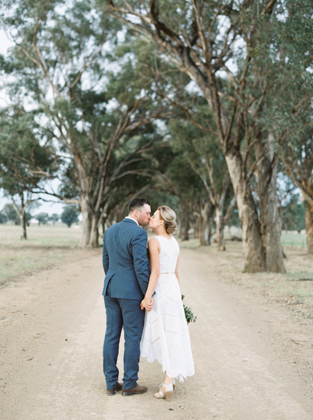Dubbo Mudgee Wedding Photographer Sheri McMahon a Luxury Farm Garden Wedding-00045