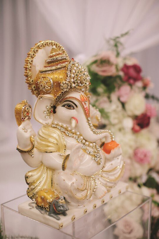 hindu-wedding-ceremony-white-blush-gold-ganesh