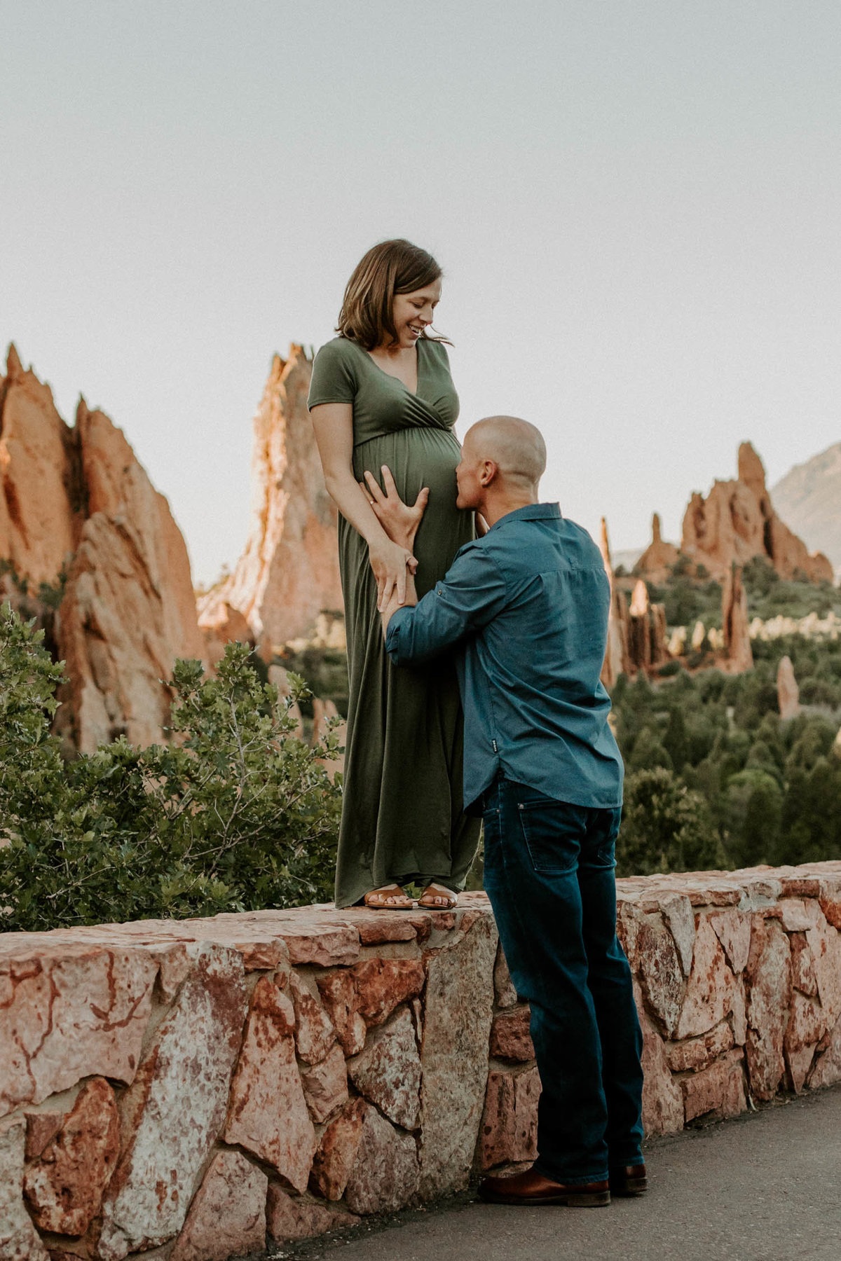colorado-springs-garden-of-the-gods-sunrise-couples-adventure-session-colorado-elopement-photographer-9