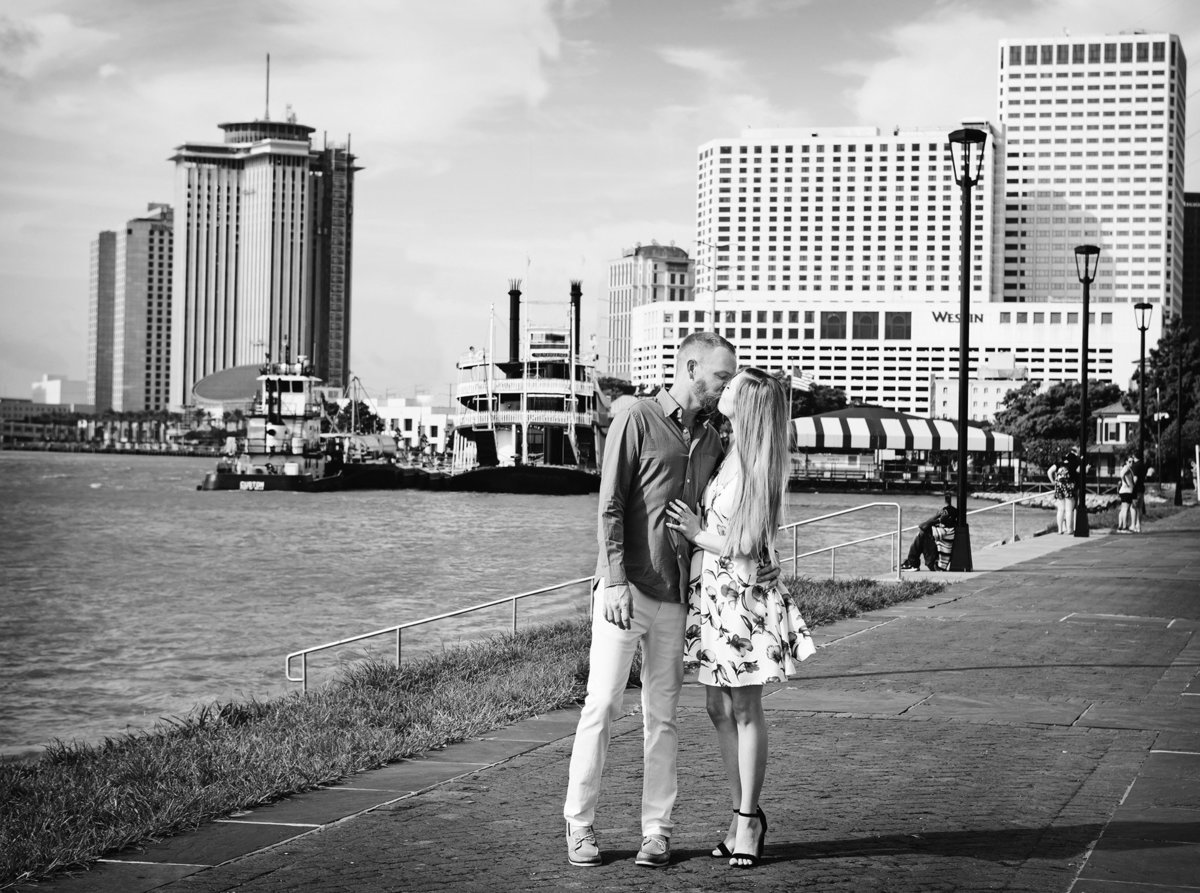 mississippi-river-nola-engagement-session