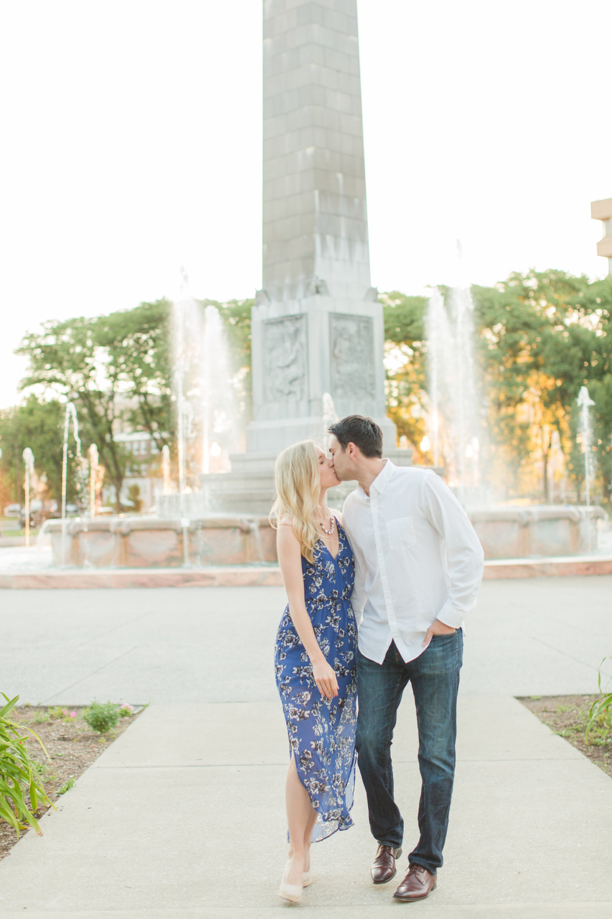 Indianapolis War Memorial Downtown Engagement Session Sunrise Sami Renee Photography-8