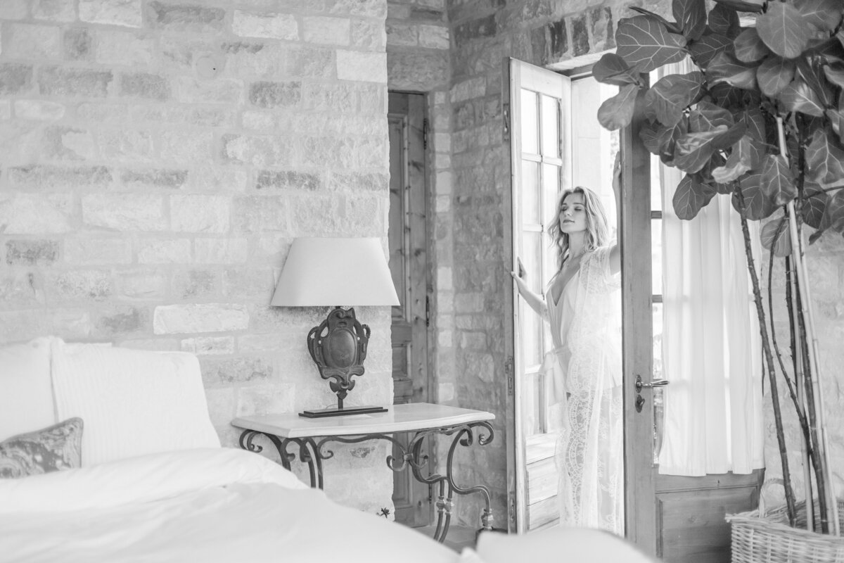 Kelli-Bee-Photography-Blog-Sunstone-Winery-Villa-Styled-Wedding-0037