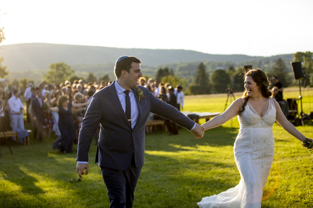 web_968Lion-Rock-Farm-Connecticut-wedding-monica-relyea-events-hudson-valley-jewish-wedding-hannah-cohen-photography-planner-new-york-city-couple