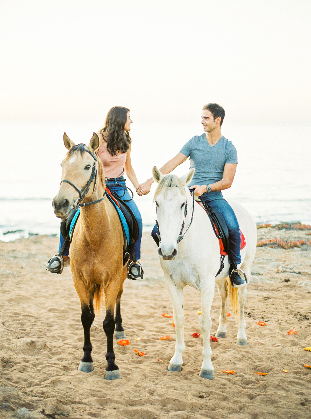 beach_horseback_riding_wedding_proposal-18