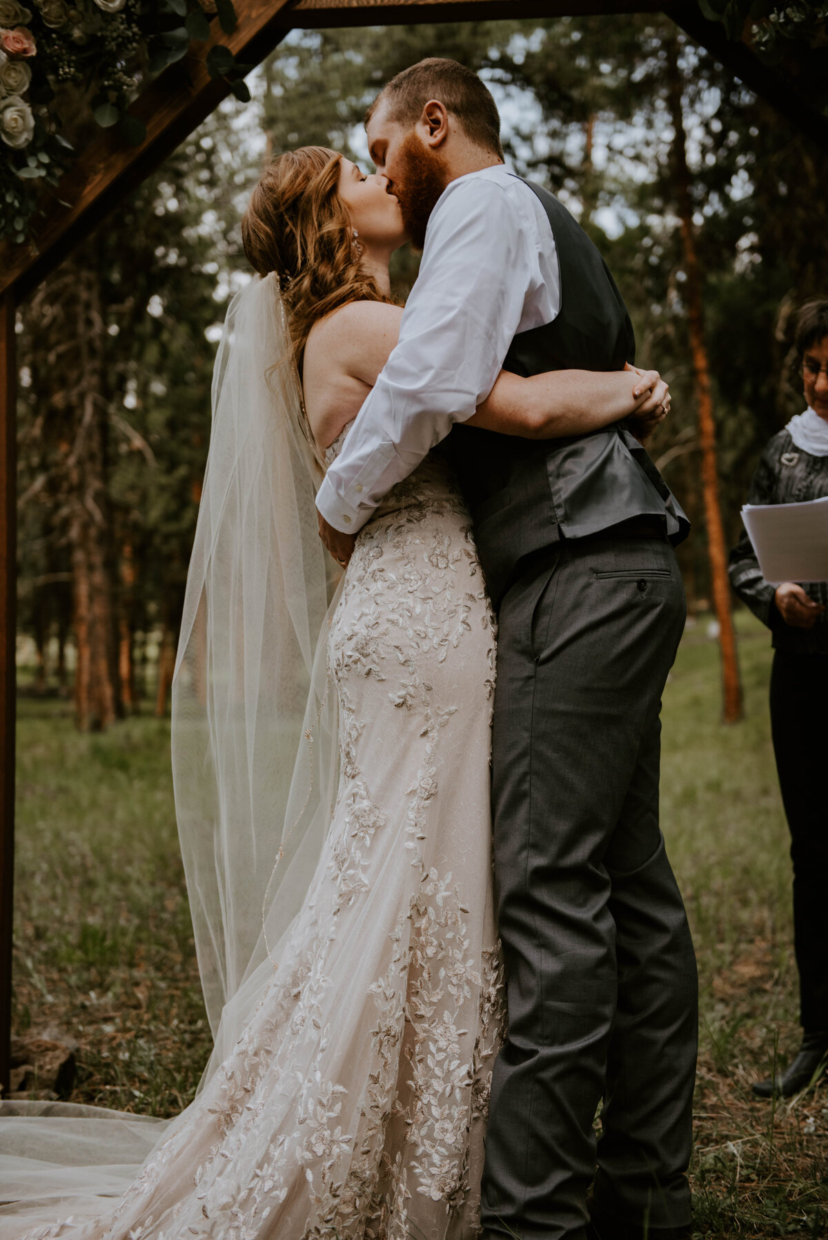 ochoco-forest-central-oregon-elopement-pnw-woods-wedding-covid-bend-photographer-inspiration2340